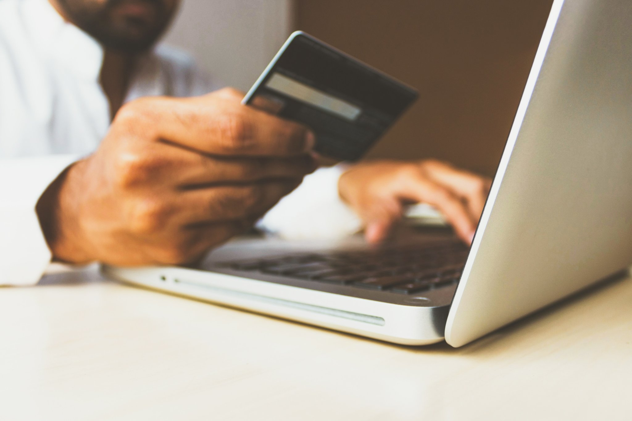 Discounts on Google Shopping: How, when, and why?